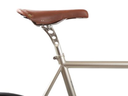 blb-city-classic-fixie-single-speed-bike-wbullhorn-chapmpagne